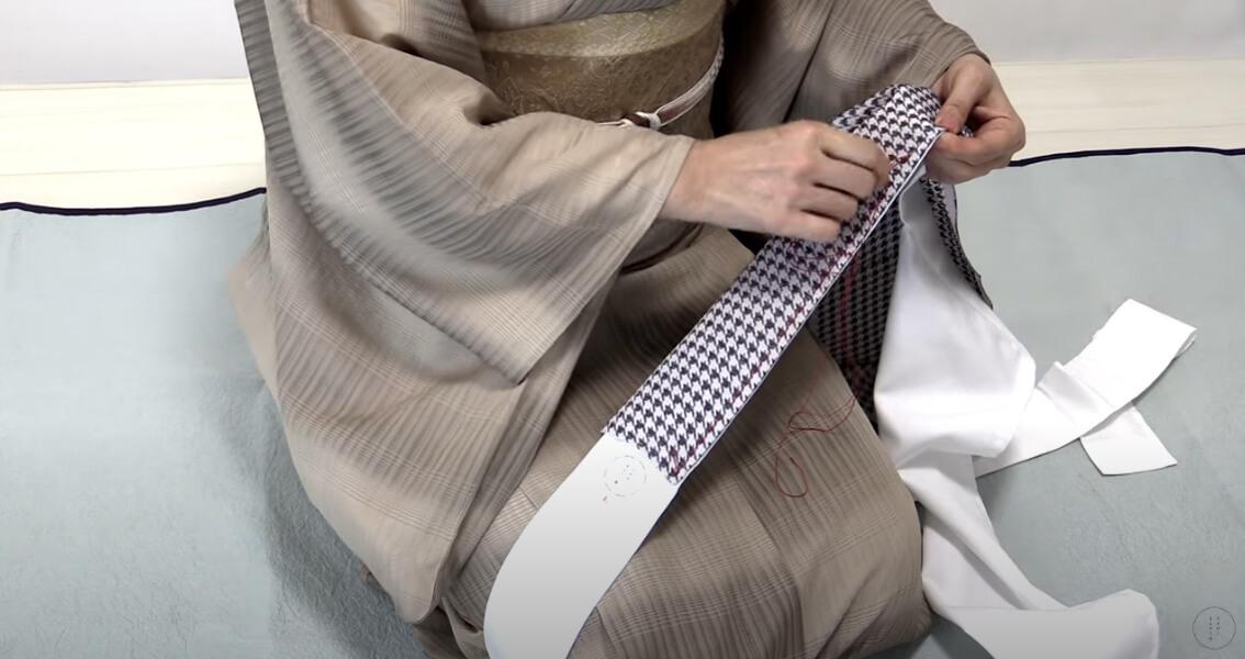 半衿の付け方